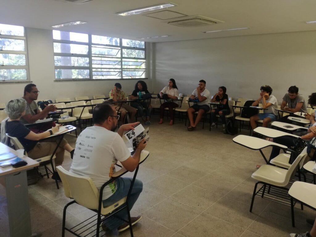 Ceará Criolo defende população negra em debate com estudantes da UFC