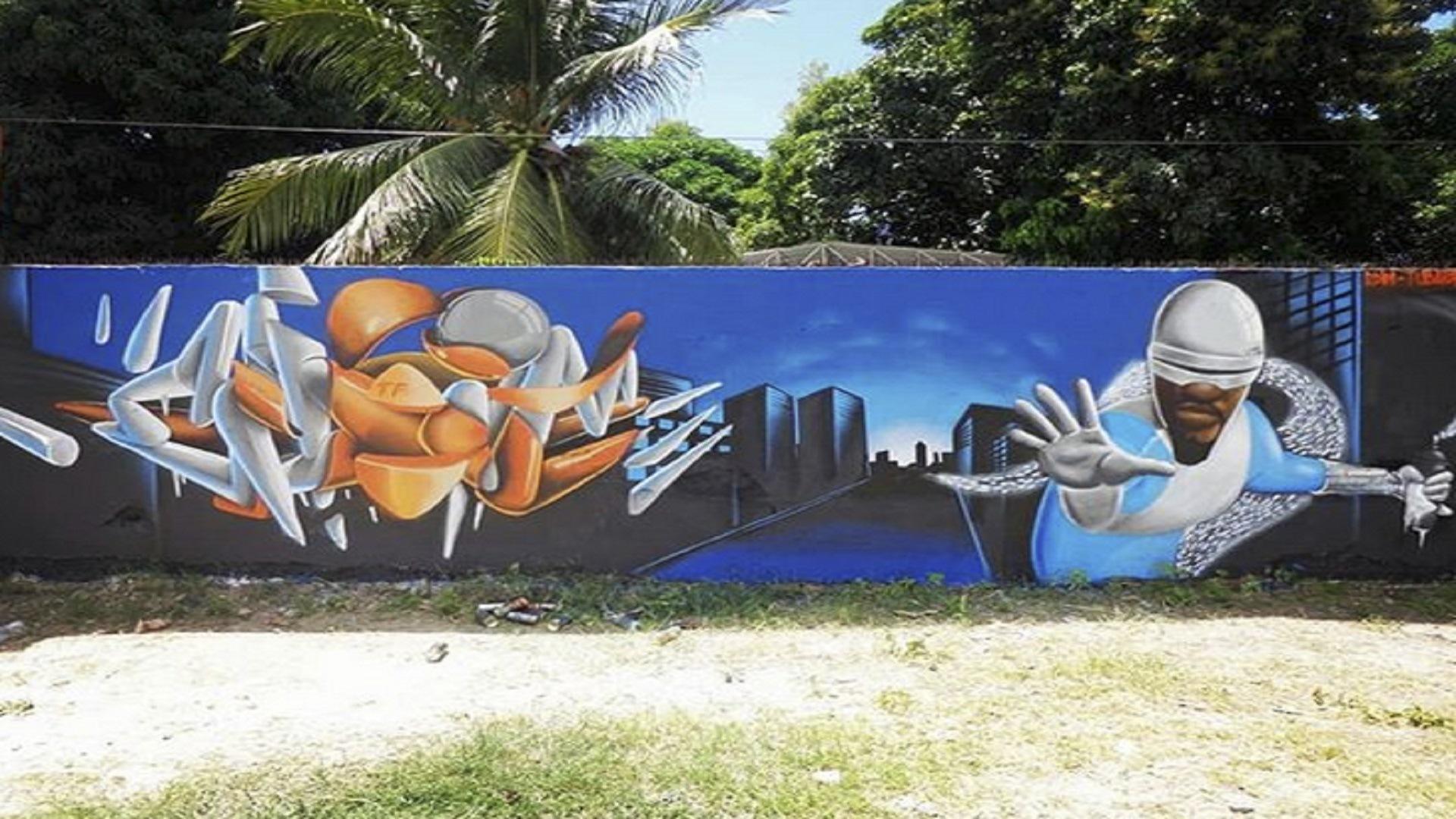 Projeto grafita super-heróis negros em muros de Fortaleza