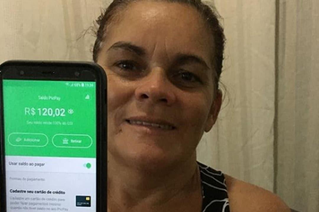 Mais de 80 mil mães de favelas recebem auxílio de R$ 120; dinheiro vem de doações da Cufa