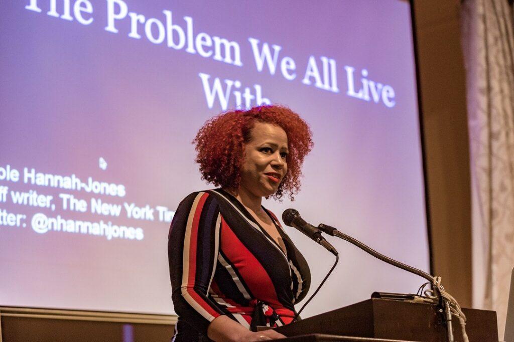 A repórter da NY Times Magazine, Nikole Hannah-Jones, de 44 anos, foi uma das vencedoras do Pulitzer deste ano. Foto: Ed Newton.