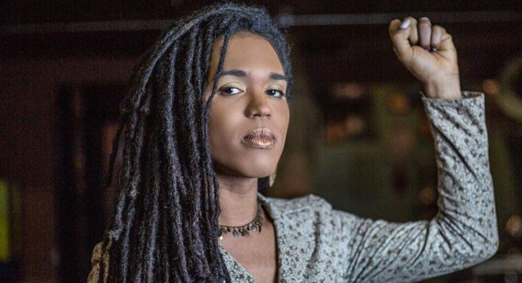 Negra e trans Deputada Erica Malunguinho reivindica retirada de estátuas de escravocratas das ruas de SP