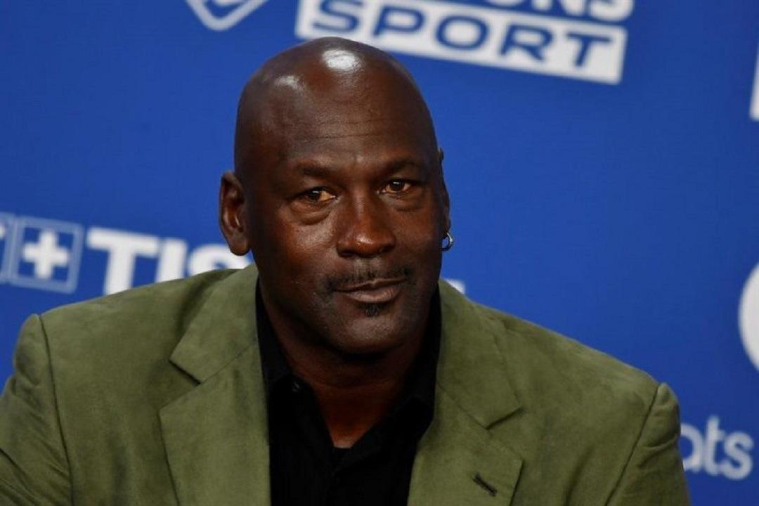 O norte-americano tem fortuna estimada em R$ 10 bilhões e é dono da equipe Charlotte Hornets, da NBA. Foto: Divulgação.