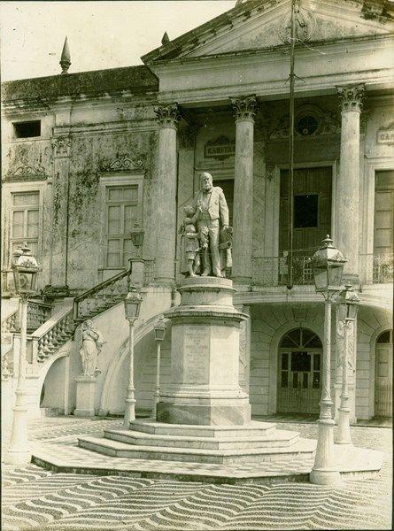 Estátua de Joaquim Pereira Marinho, traficante de escravos em Salvador
