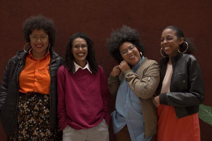 Primeiro banco de imagens de mulheres negras tem nome em referência a Nina Simone