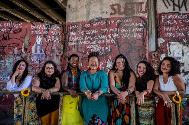 Samba de Dandara exalta a força ancestral feminina