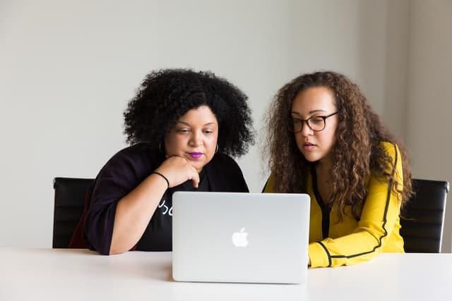 Com 50% das vagas para profissionais negros, L'Oréal Brasil abre inscrições para Programa de Trainee