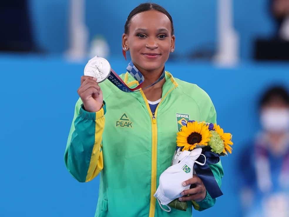 Rebeca Andrade é 1ª ginasta feminina a ganhar medalha olímpica para o Brasil